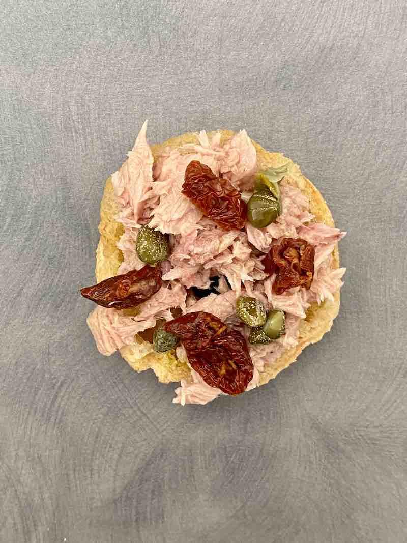 fresella senza glutine tonno e pomodori secchi